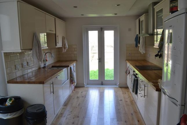Thumbnail Semi-detached house to rent in Elverson Road, London