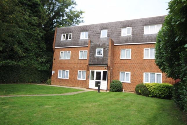 Thumbnail Flat to rent in London Road, Brentwood