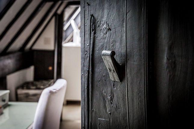 Black-Dog-Cottage-6