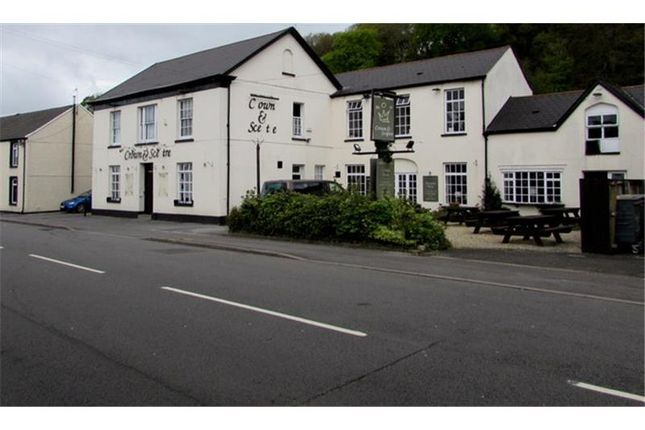 Thumbnail Pub/bar to let in Crown & Sceptre Inn, Main Road, Neath, Castell-Nedd Port Talbot, UK
