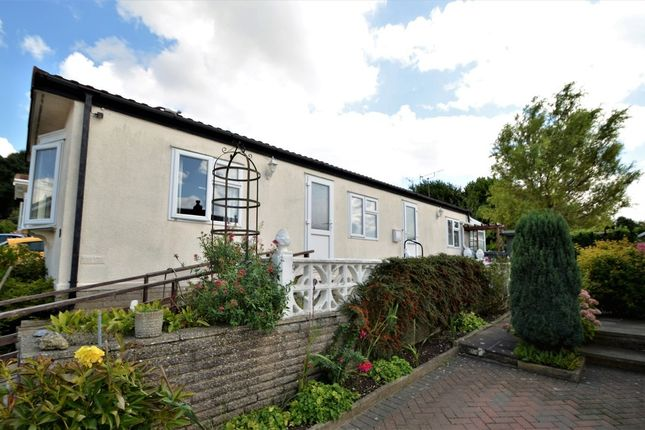 Thumbnail Mobile/park home for sale in Yew Tree Park Homes, Charing, Ashford