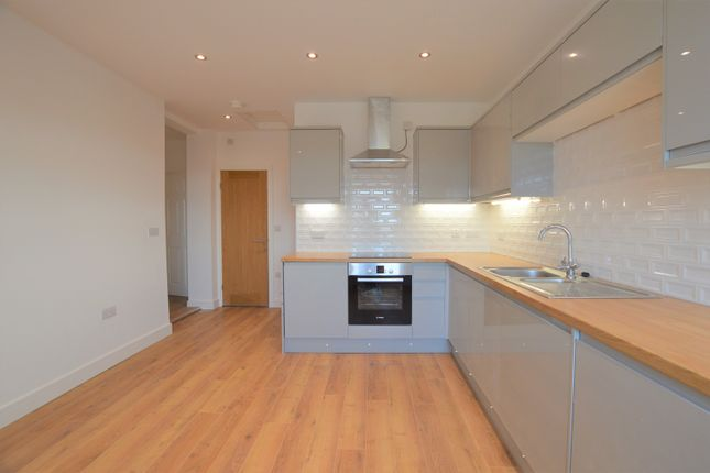 Flat to rent in Church Lane, Swillington, Leeds