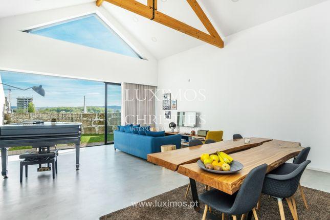 Villa for sale in 4300 Porto, Portugal
