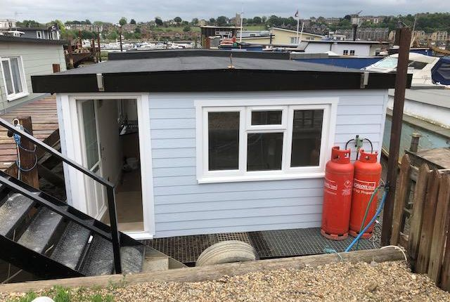 Knight Rd, Castle View Marina, Strood ME2