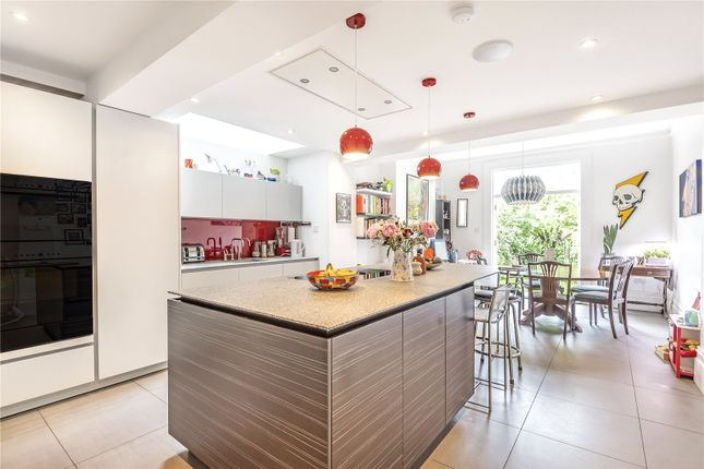 Thumbnail Detached house for sale in Eade Road, London