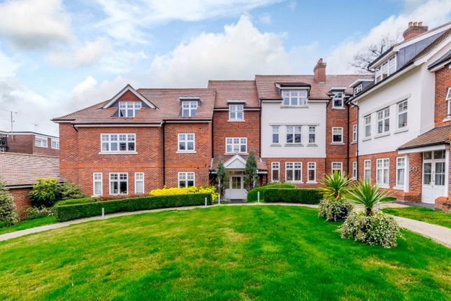 Thumbnail Flat for sale in The Foresters, Harpenden, Hertfordshire
