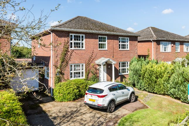 Thumbnail Detached house for sale in Mill Hill, Edenbridge