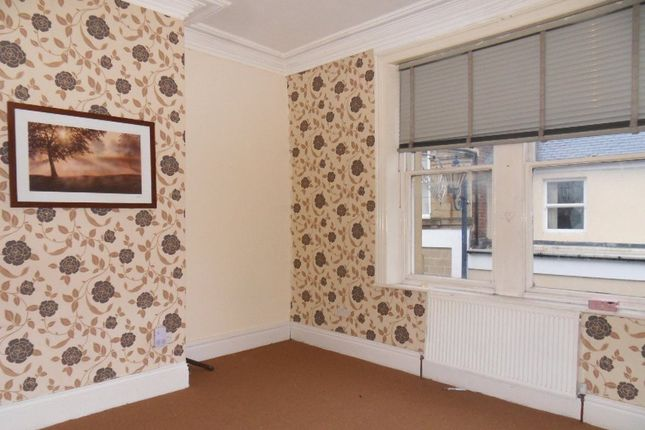 Thumbnail Flat to rent in Daisy Hill, Dewsbury, West Yorkshire