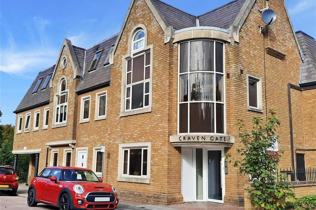 1 bed flat for sale in Lorne Road, Warley, Brentwood, Essex CM14