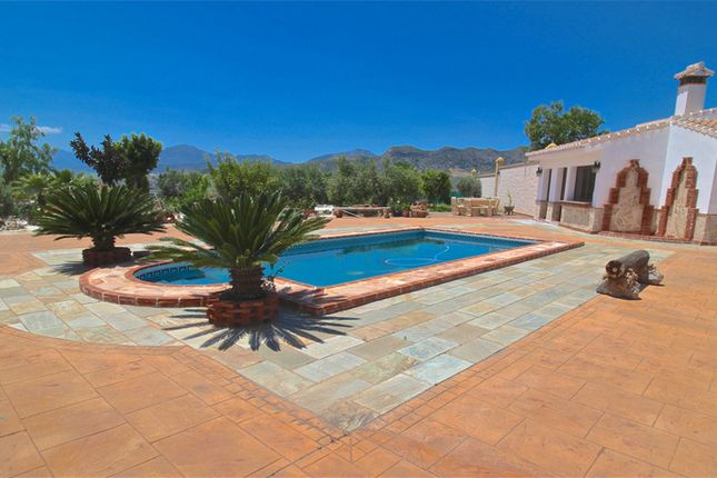 5 bed country house for sale in Alora, Málaga, Spain