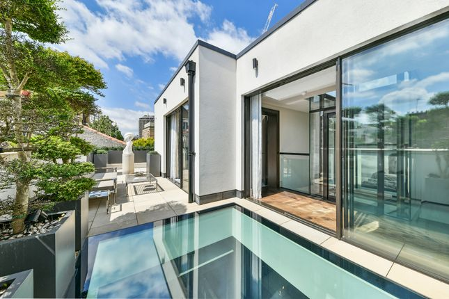 Thumbnail Mews house for sale in Grosvenor Crescent Mews, Belgravia