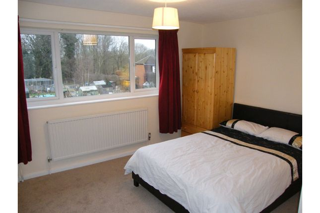 Thumbnail Property to rent in 87 Brookhouse Road, Farnborough