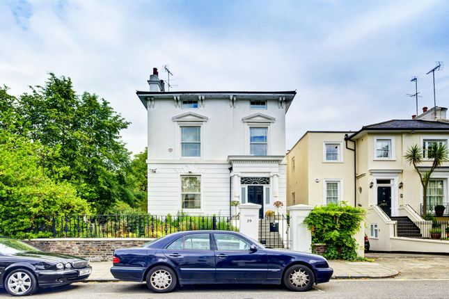 Thumbnail Terraced house to rent in Acacia Road, London