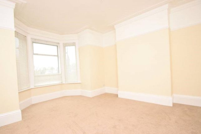 Thumbnail Flat to rent in Lincoln Hatch Lane, Burnham, Bucks