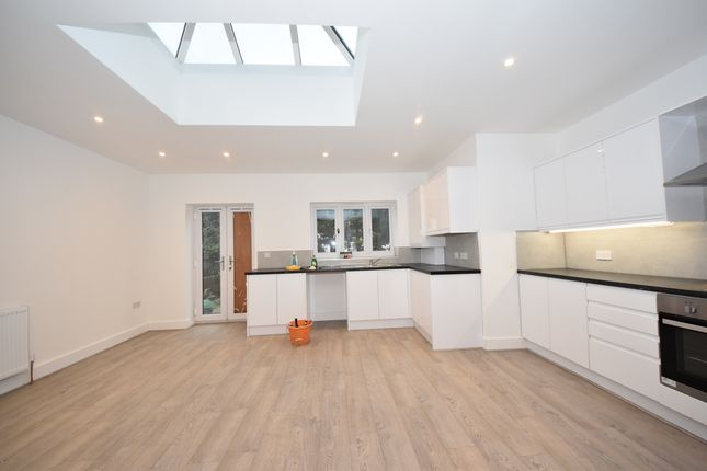 Thumbnail Semi-detached house to rent in Lansdowne Road, Ilford Essex