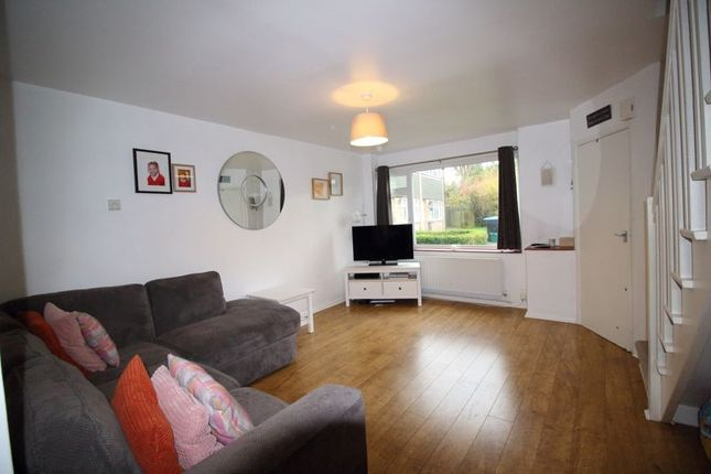 Living Room of Ryelands Close, Caterham CR3