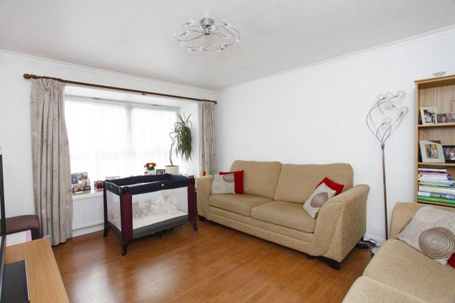 3 bed flat to rent in Henderson Drive, St John's Wood
