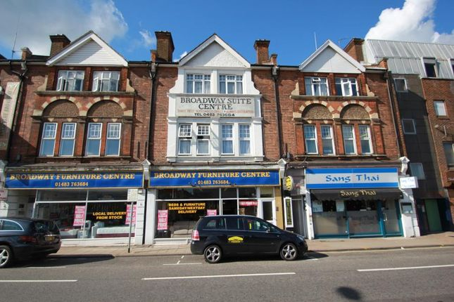 2 bed flat to rent in The Broadway, Woking