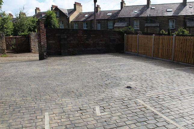 Parking/garage to rent in Back Wentworth Street, Huddersfield