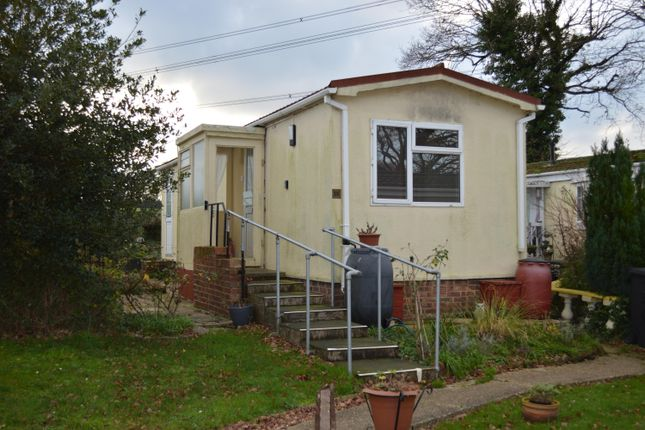 Thumbnail Mobile/park home to rent in Bishopstoke Lane, Brambridge, Eastleigh