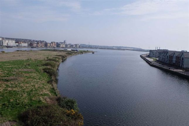 Thumbnail Flat to rent in Neptune Road, Barry, Vale Of Glamorgan