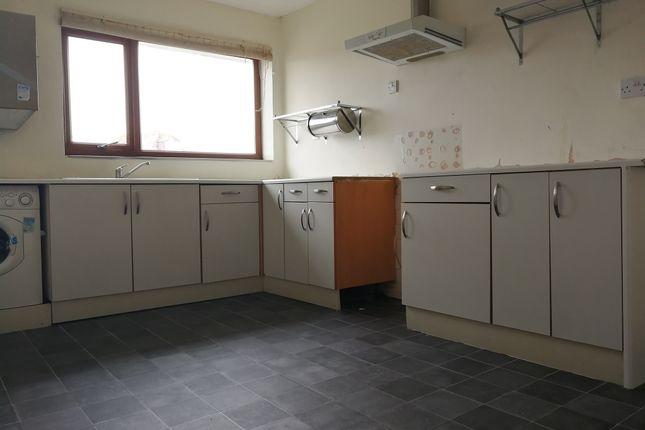 Kitchen of Radnor Court, Longcot, Faringdon SN7
