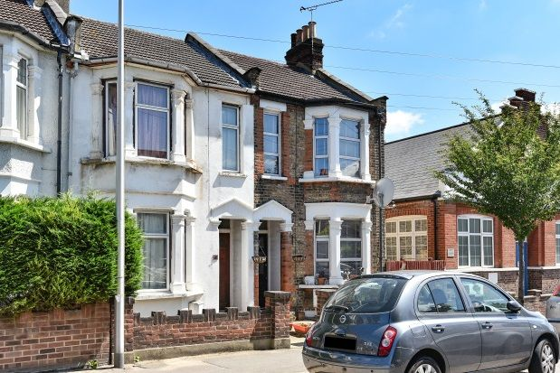 Thumbnail Property to rent in Daisy Road, London