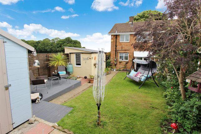 Thumbnail End terrace house for sale in Fennycroft Road, Gadebridge, Hemel Hempstead