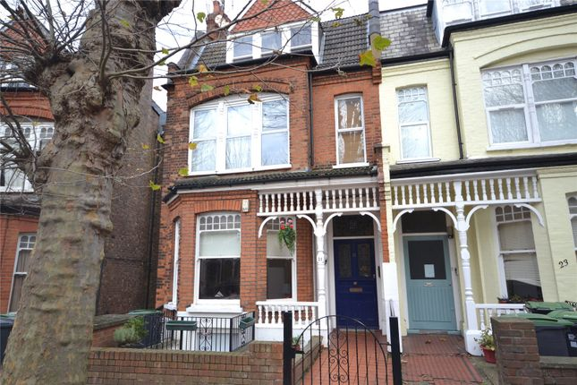 Thumbnail Flat for sale in Kings Avenue, Muswell Hill, London