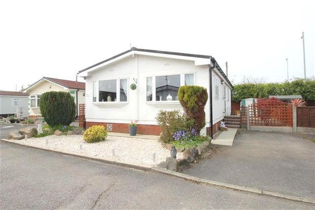 Thumbnail Property for sale in Beech Tree Close, Leyland