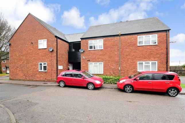 Thumbnail Flat for sale in Rowley Mead, Thornwood, Epping, Essex