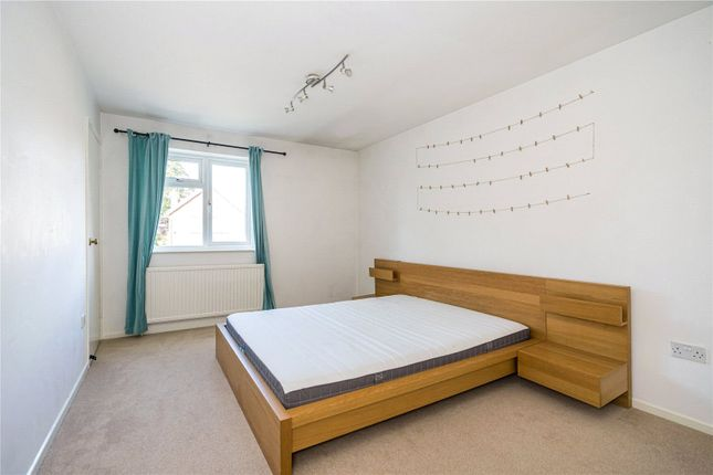 Main Bedroom of King James Way, Henley-On-Thames, Oxfordshire RG9