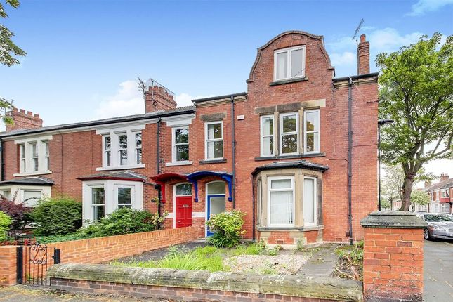 Thumbnail Flat to rent in Queens Road, Monkseaton, Whitley Bay
