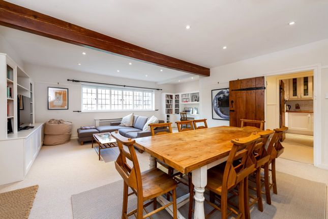2 bed flat for sale in Waterlow Court, Heath Close, London NW11
