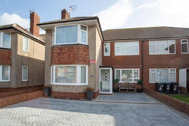 Thumbnail Flat to rent in Luton Avenue, Broadstairs