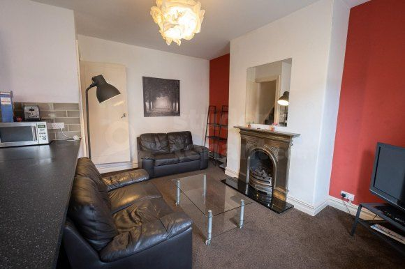 Find 3 Bedroom Houses To Rent In Huddersfield Zoopla