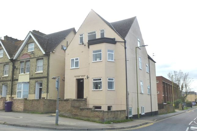 Thumbnail Flat for sale in Old North Road, Royston