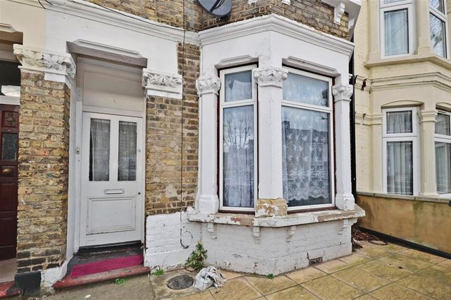 1 bed flat for sale in Dorset Road, London