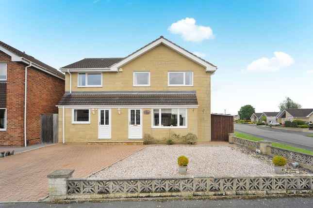 Thumbnail Detached house for sale in Tweed Close, Swindon