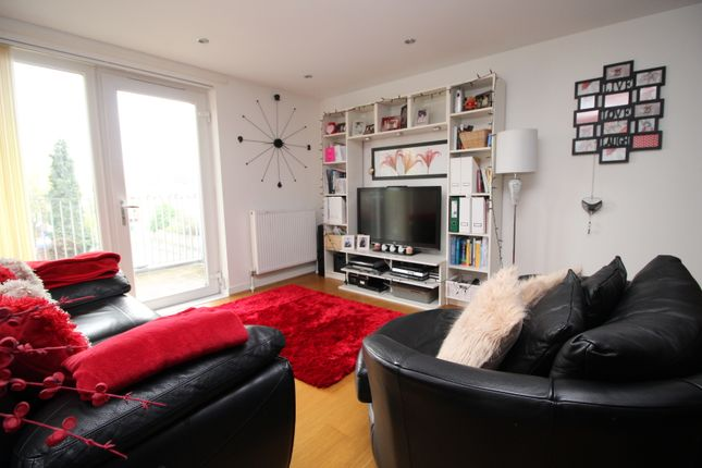 Flat to rent in Mclagan House Grantham Road, London