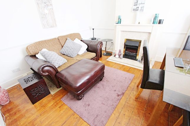 Thumbnail Property for sale in Baronet Grove, London