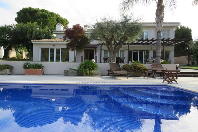 Thumbnail Villa for sale in Godella, Valencia, Spain