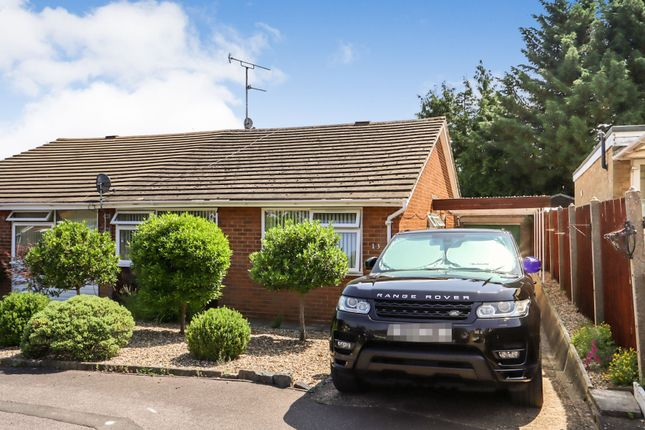 Thumbnail Bungalow to rent in Field Close, Harpenden, Harpenden