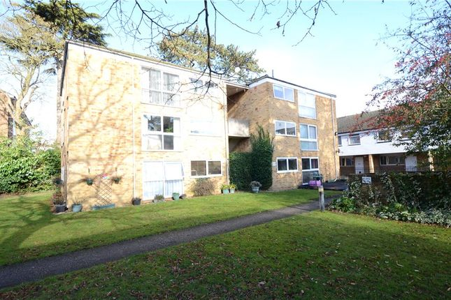 Thumbnail Flat for sale in Maria Court, Southcote Road, Reading