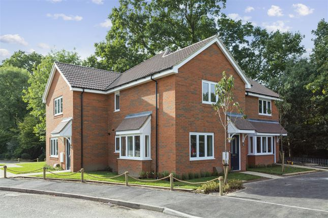 Thumbnail Mews house for sale in Speedwell Close, Guildford