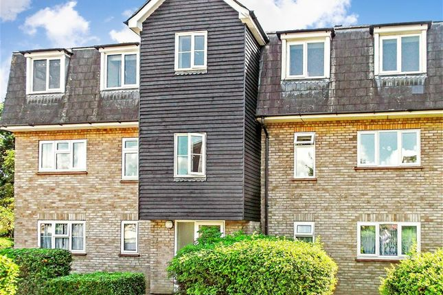 Thumbnail Flat for sale in Menzies Avenue, Basildon, Essex