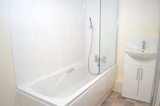 Bathroom of Fishermans Lane, Aldermaston, Reading RG7