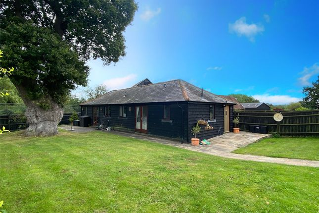 Thumbnail Bungalow to rent in Haxted Road, Edenbridge