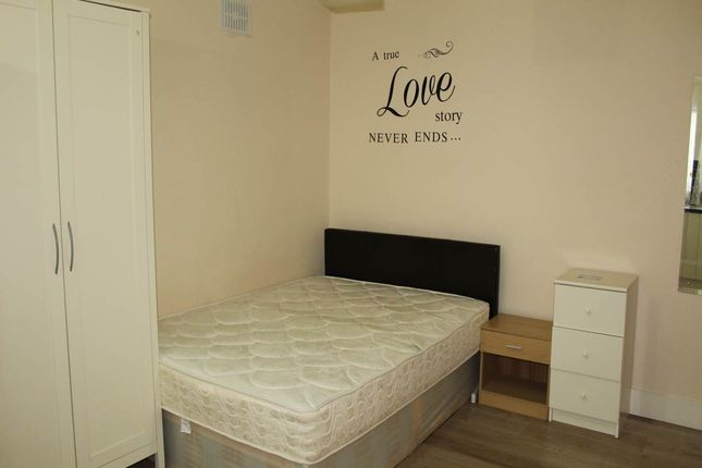 Thumbnail Room to rent in Normandy Drive, Hayes, Middlesex