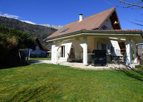 Properties for sale in giez faverges annecy haute for Garage ad annecy